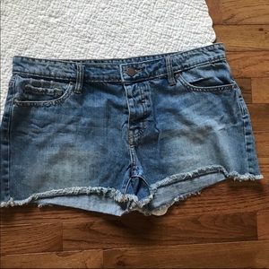GAP Boyfriend Cut Off Jean Shorts